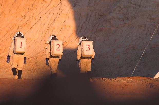 Landing on Mars during AustroMars 2006.  (c) OeWF (Andreas Koehler)
